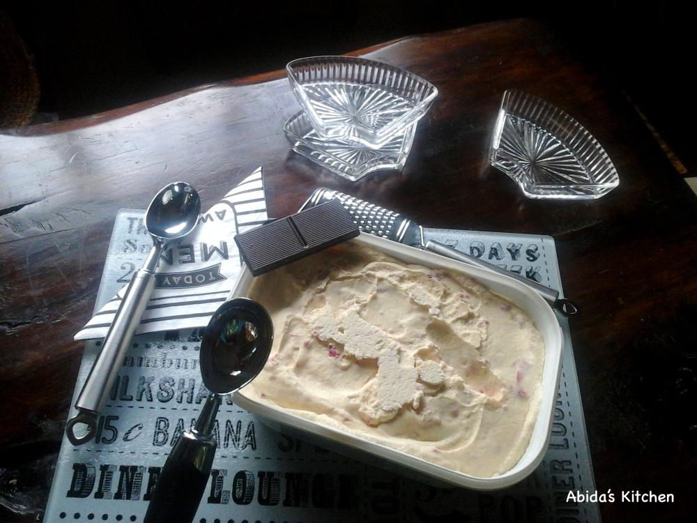 STRAWBERRY AND RASPBERRY RIPPLE, NO-CHURN ICE CREAM |abidabuoroskitchen@wordpress.com
