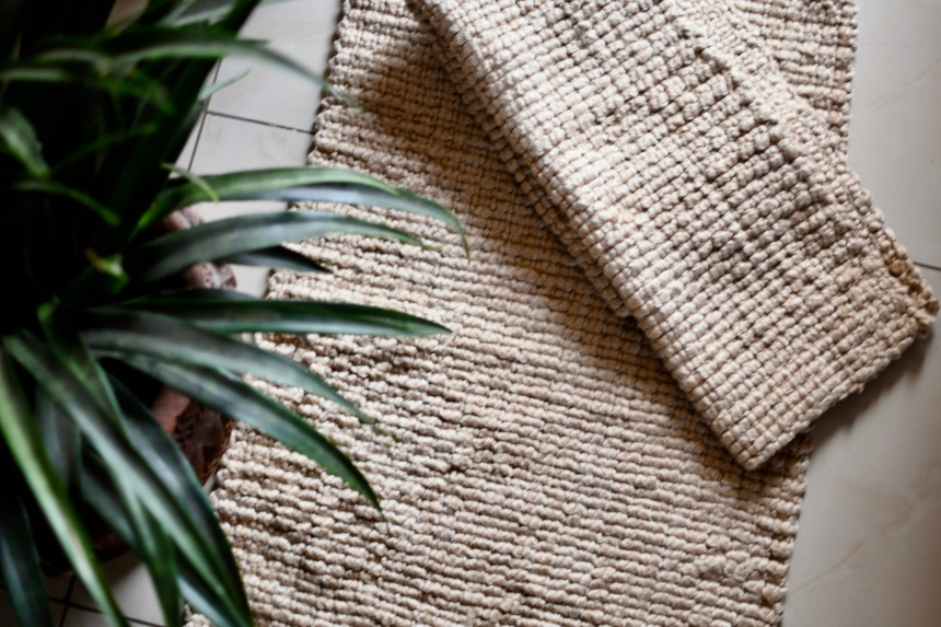 DH005 Ivory tone wool blend rug.jpg